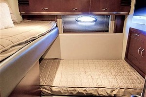 58' Sea Ray 58 Sedan Bridge 2006 Guest Stateroom