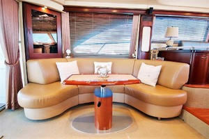 58' Sea Ray 58 Sedan Bridge 2006 Port Settee