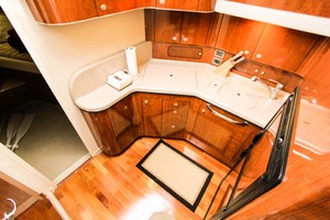 39' Sea Ray 390 Motor Yacht 2004 Galley