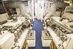 119' Crescent Rph Euro Transom 2004 Engine Room Looking Aft
