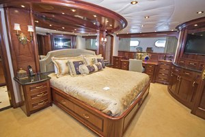 119' Crescent Rph Euro Transom 2004 Master Starboard Side