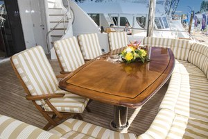 119' Crescent Rph Euro Transom 2004 Aft Deck Seating