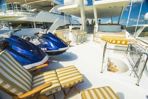 119' Crescent RPH Euro Transom 2004 Boat Deck