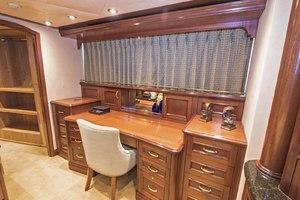 119' Crescent Rph Euro Transom 2004 Master Stateroom Desk