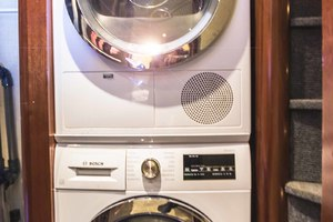 119' Crescent Rph Euro Transom 2004 Laundry