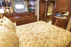 119' Crescent Rph Euro Transom 2004 Portside Queen Cabin Looking Forward