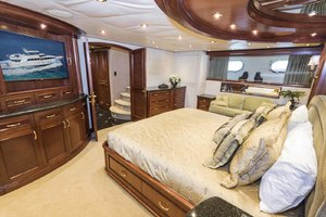 119' Crescent Rph Euro Transom 2004 Master Looking Forward