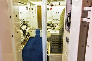 119' Crescent Rph Euro Transom 2004 Engine Room Entrance