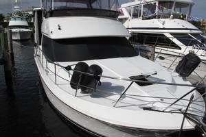 42' Carver 406 Motor Yacht 2000 This 2000 42' Carver 410 Sport Sedan MY for sale - SYS Yacht Sales