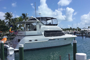 42' Carver 406 Motor Yacht 2000 This 2000 42' Carver 406 Motor Yacht for sale - SYS Yacht Sales