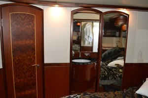 54' Pama 540 Xl Pilothouse 2007 Master Head Entry