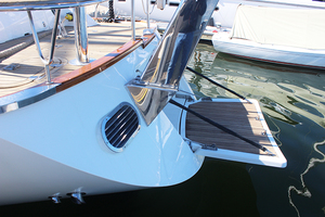 54' Moody Cruising Sailboat 2001 SWIMSTEP