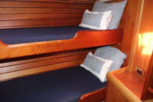 54' Moody Cruising Sailboat 2001 GUEST STATEROOM FORWARD