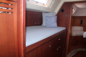 54' Moody Cruising Sailboat 2001 GUEST STATEROOM AFT