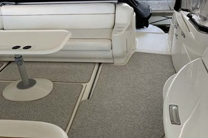 46' Sea Ray 460 Sundancer 2000 Cokcpit