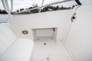 31' Intrepid 310 Walkaround REPOWERED 2007 Cooler Space