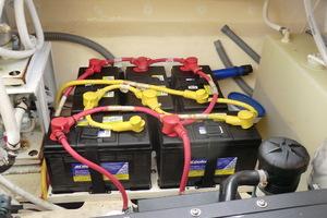43' Tiara 4300 Sovran 2006 Batteries