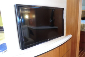 43' Tiara 4300 Sovran 2006 Smart TV