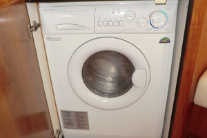 43' Tiara 4300 Sovran 2006 Washer Dryer