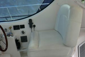 43' Tiara 4300 Sovran 2006 Helm Seat