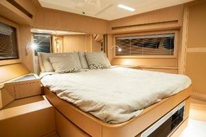 88' Riva 88' Florida 2016 VIP Stateroom Forward