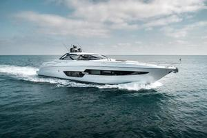 88' Riva 88' Florida 2016 Stbd Profile