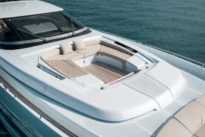 88' Riva 88' Florida 2016 Foredeck Seating