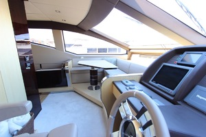 84' Azimut 2013 Azimut 84 2013 2013 AZIMUT 84 FOR SALE