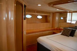 70' Johnson 70 1997 Owners suite 2