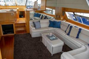 70' Johnson 70 1997 Salon sofa 1