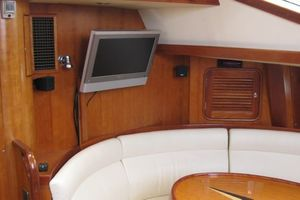 58' Tayana 58 Deck Saloon 2006 Salon entertainment