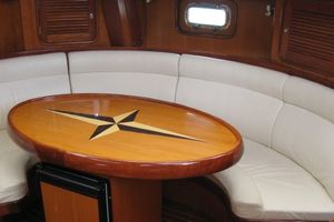 58' Tayana 58 Deck Saloon 2006 Dinette in salon - icemaker