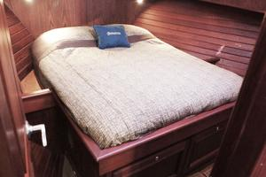 41' Concorde Pilothouse 2010 Owners stateroom