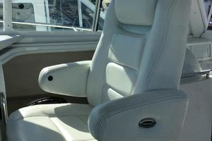 37' Glacier Bay 3480 Enclosed Pilot/Salon 2007