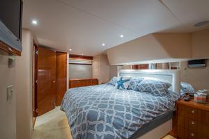 64' Hatteras Flybridge Motoryacht 2008 Master to Starboard