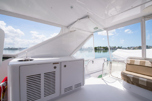 64' Hatteras Flybridge Motoryacht 2008 Bar & Flybridge AC