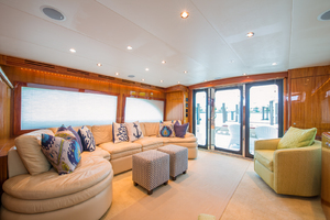 64' Hatteras Flybridge Motoryacht 2008 Salon Looking Aft