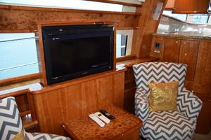 62' Neptunus Flybridge With Euro Transom 2008 Flat panel TV