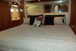 65' Neptunus Flybridge Motor Yacht 2004 Master Looking Aft