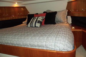 65' Neptunus Flybridge Motor Yacht 2004 VIP Looking Foward
