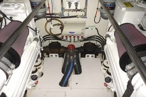 65' Neptunus Flybridge Motor Yacht 2004 Engine Room Forward