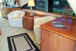 65' Neptunus Flybridge Motor Yacht 2004 Salon to Starboard