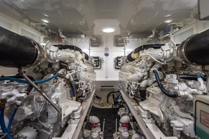 55' Viking 55 Convertible 2014 Engine Room