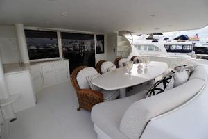 103' Westport West Bay 2000 Aft Deck