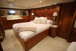 103' Westport West Bay 2000 Master Stateroom