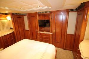 103' Westport West Bay 2000 VIP Stateroom - Aft Bulkhead