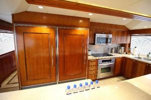 103' Westport West Bay 2000 Galley Fridge
