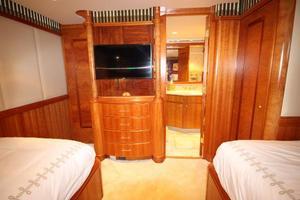 103' Westport West Bay 2000 Starboard Guest Stateroom - TV