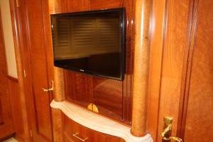 103' Westport West Bay 2000 VIP - TV and Dresser