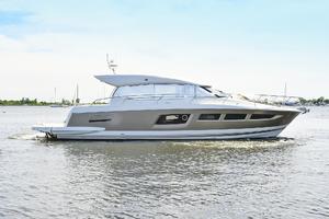 50' Prestige 500 S 2017 Starboard Side